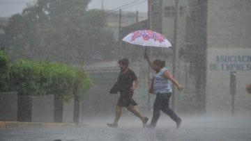 Lluvia en la capital.