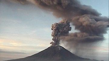 Volcán Popocatépetl registra explosión de unos 8 kilómetros de altura